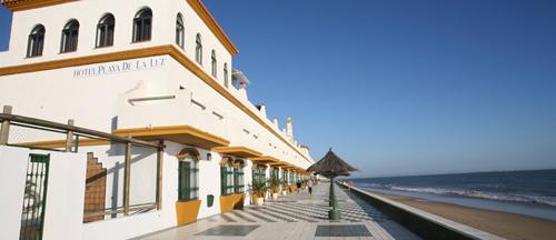 Hotel playa de la luz abre sus puertas bookingfax - Cortijos andaluces encanto ...